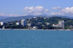 350px-View_on_Sochi_from_black_sea.jpg