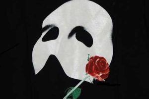 phantom of the opera mask.jpg