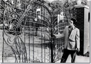 1957_graceland_gates_large.jpg
