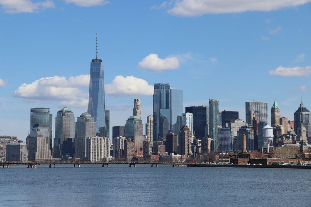 Manhattan skyline with One World tower