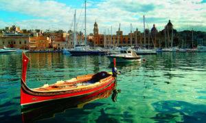 Maltese dgħajsa in Vittoriosa marina