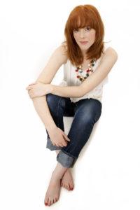 Singer Elizabeth Eliming