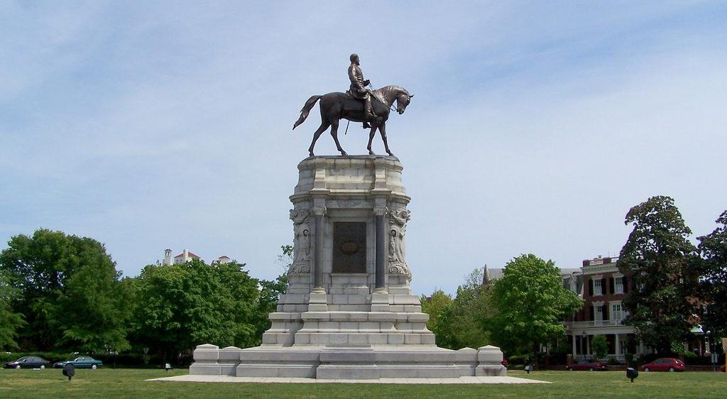 Monument of Robert E Lee