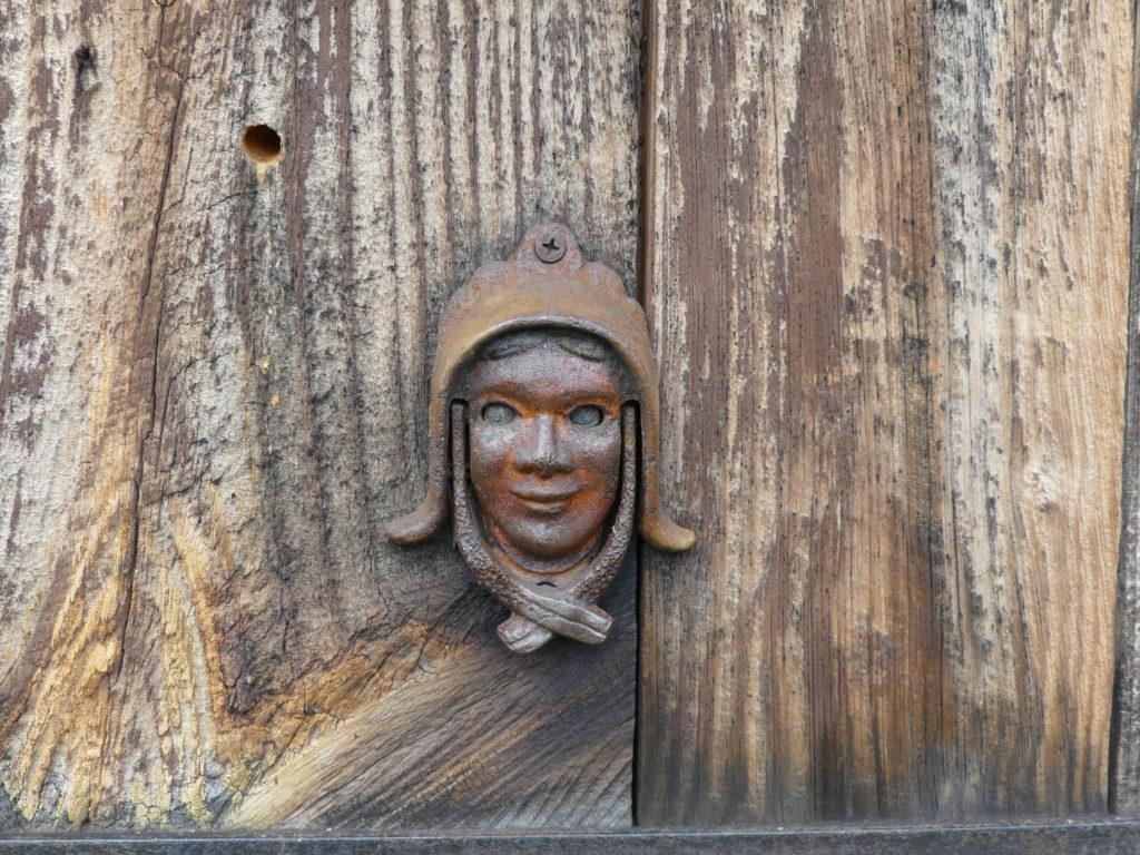 Door knocker. Photo: Kathleen Walls