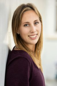 Head shot of freelance travel writer Jessica Barrett.