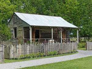 Slave cabin on Laura Plantation. Photo: Kathleen Walls
