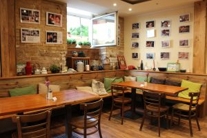 Photo of accessible cafe taken by Tara Tadlock