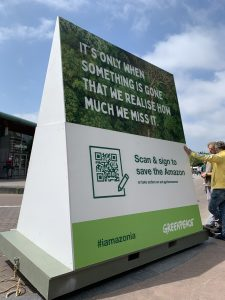 Greenpeace launched the 'Save the Amazon and stand with the guardians of the forest'-petition as a part of the All eyes on the Amazon-project. Photo: Olivier Truyman/Greenpeace