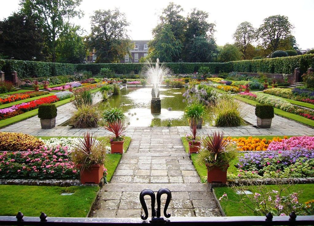 Kensington Gardens. Photo by Melodie Mesiano