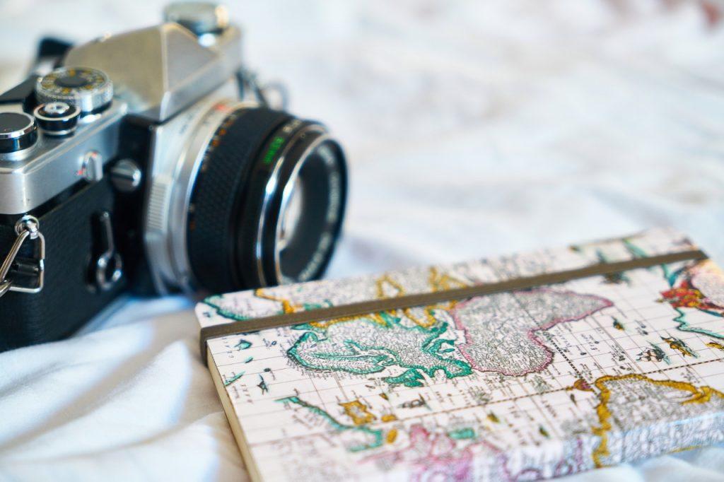 Digital Nomad - camera and map