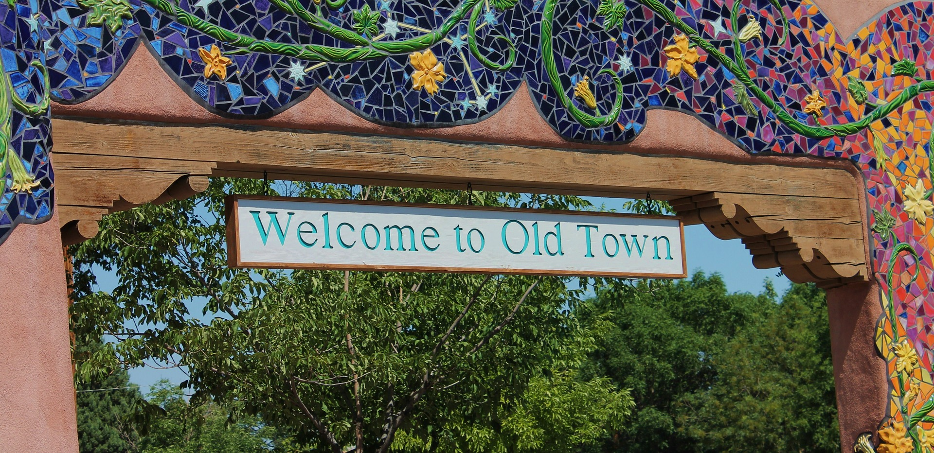 Entrance to Old Town in Albuquerqe, New Mexico