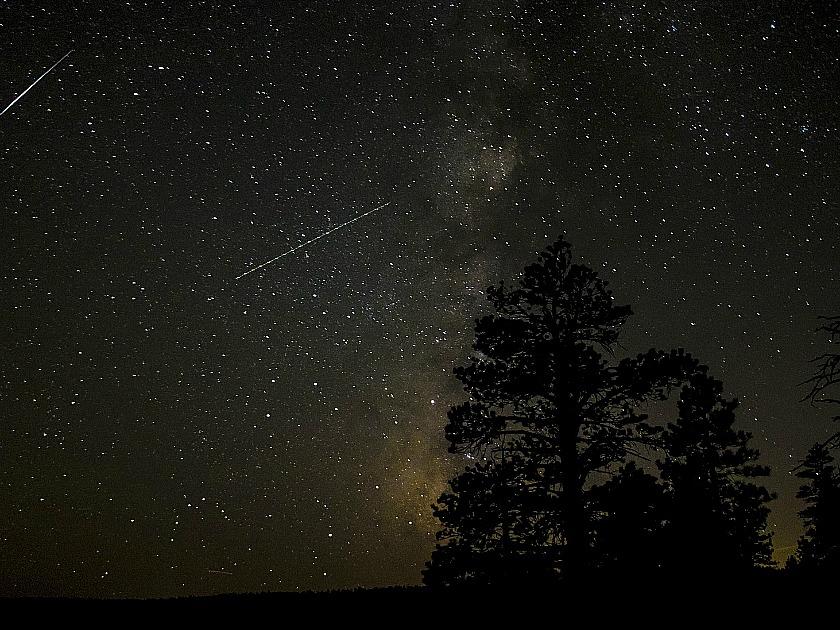 Bryce Canyon NightSky courtesy of Anne Boulais (Pixabay)