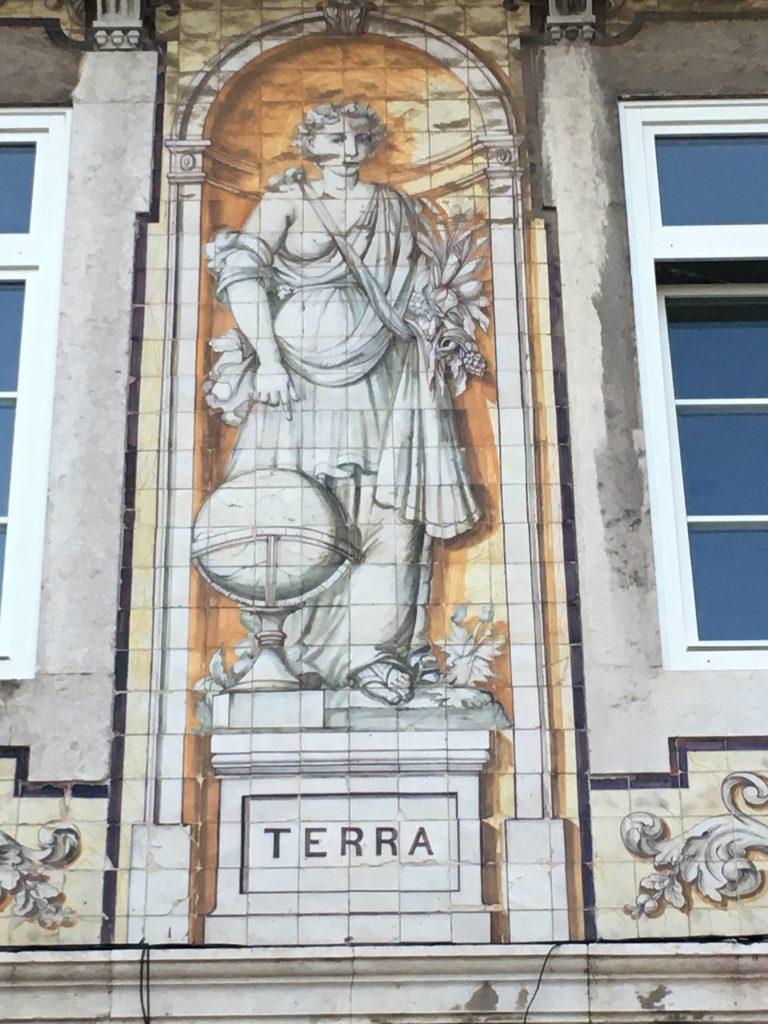 Terra Tile decoration on building. Photo: Manali Shah