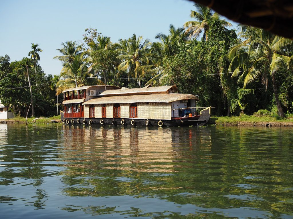 house-boat-Kerala-India