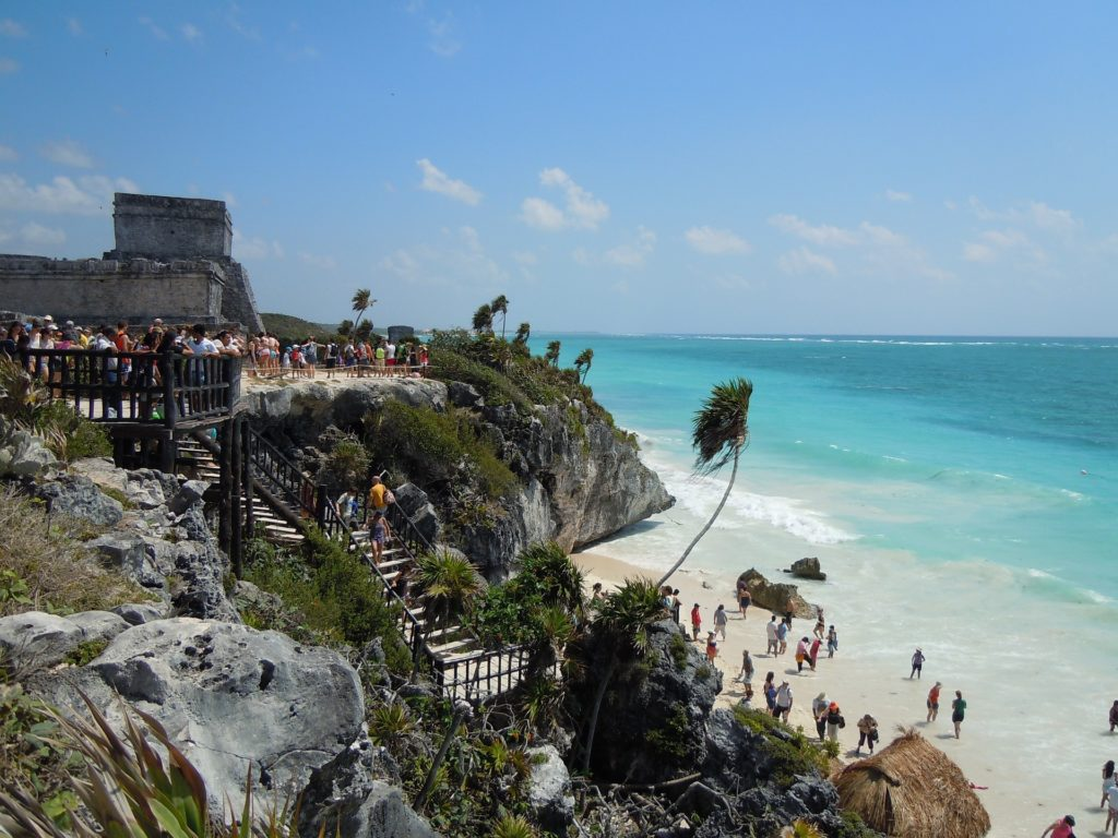 tulum-mexico crowds