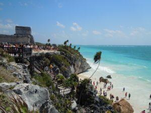 tulum-mexico-crowds