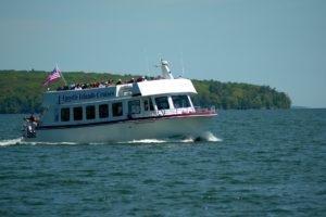 apostle-islands-tour-boat