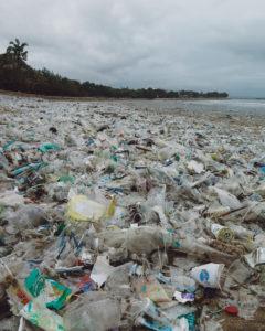 Kuta beach covered with plastic in Bali. Credit: Wayan Suyadnya (@hiwayan)