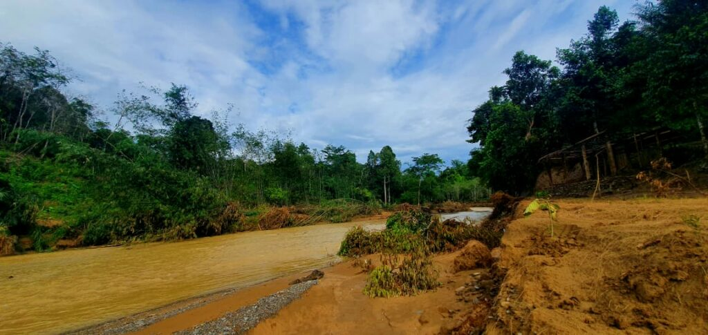 The barren condition of the area after the flashflood on the end of last year