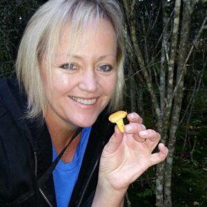 Friluftsliv Mushroom picking Photo by Lisbeth Fallan