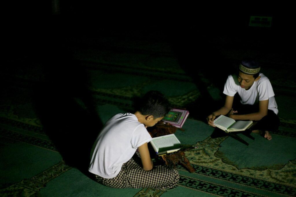 The mosque is the centre of many activities during Ramadan, such as Tadarus Al Qur'an.