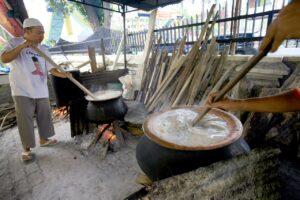 Public kitchen in Al Ma'shum Great Mosque of Medan, with bubur pedas in process.