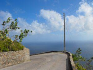 saba-road-going-down-mountain