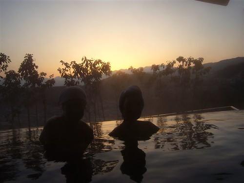 Onsen-at-Sunrise