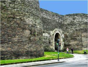 Photo of Roman wall in Lugo by jl.cernadas is licensed under CC BY 2.0