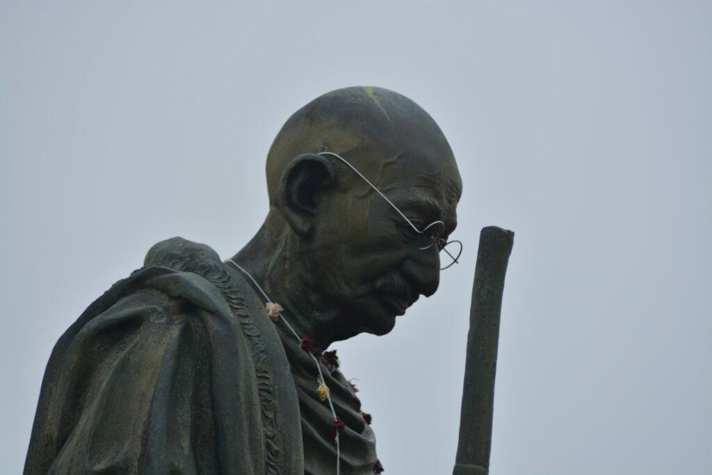 The Rainbow Nation - Gandhi-statue