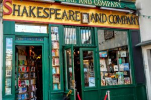 shakespeare-and-company-bookstore