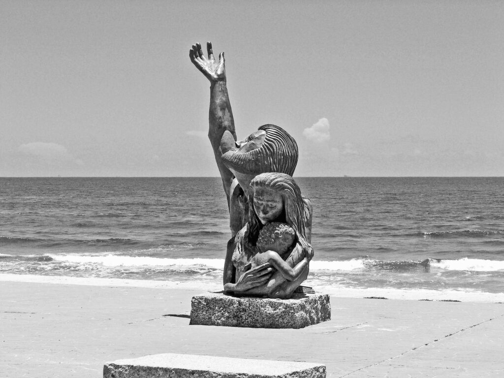 galveston-beach-memorial-statue-of-the-1900-great-storm
