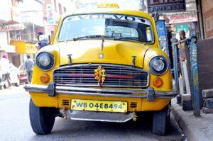 kolkata-taxi-on-college-street