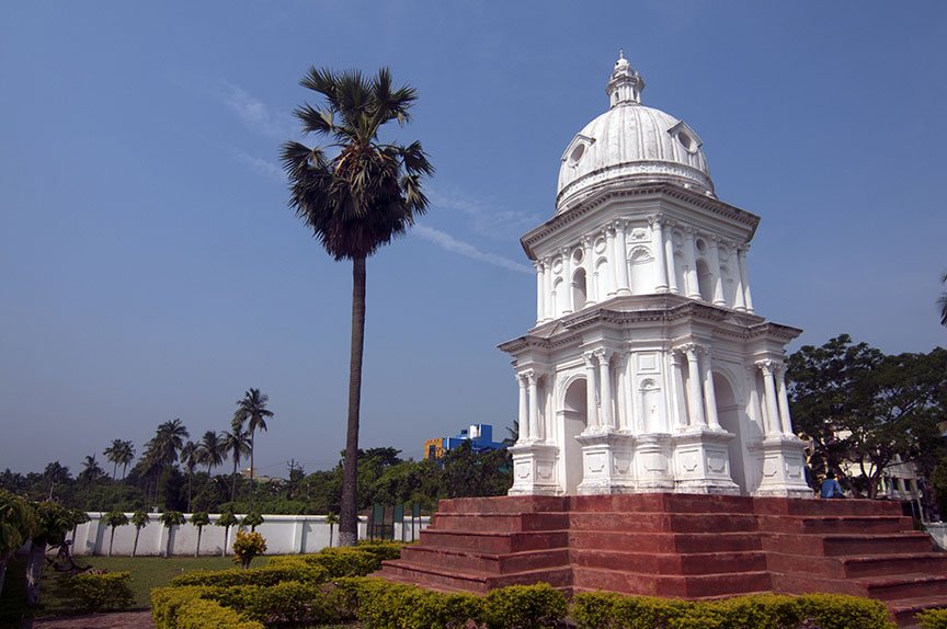 The mausoleum of Susannah Anna Mariah that dates back to 1809 is the best example of Indo-Dutch architecture. Photo: Sugato Mukherjee